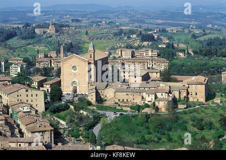 Siena toscsana iglesia de san Francisco y San Bernardino Imagen De Stock