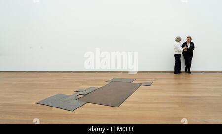 Instalación de arte Stelle ( Site) por Joseph Beuys en la Hamburger Bahnhof museo de arte en Berlín, Alemania. Imagen De Stock