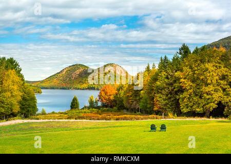 Jordania estanque y la burbuja de las montañas en el Parque Nacional de Acadia, Maine Imagen De Stock