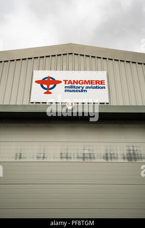 El Museo de Aviación Militar Tangmere es un museo situado en el antiguo emplazamiento de la RAF Tangmere, West Sussex. El museo fue inaugurado en junio de 1982. Bronceado RAF Imagen De Stock
