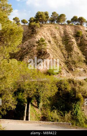 A partir de Fuente Grande en Alfacar un conducto TRECE KILÓMETRO lleva el agua a la ciudad de Granada para Imagen De Stock