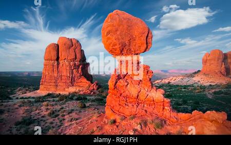 Hermosa vista desde el avión en las montañas de Arizona. Ee.Uu. Estado de Arizona. Imagen De Stock