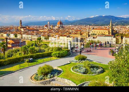 Ciudad de Florencia, vista desde el Piazzale Michelangelo, Toscana, Italia Imagen De Stock
