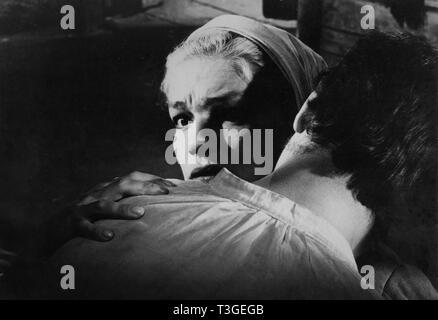 Les Sorcieres de Salem Año: 1957 - Francia Simone Signoret, Yves Montand Director: Raymond Rouleau Imagen De Stock
