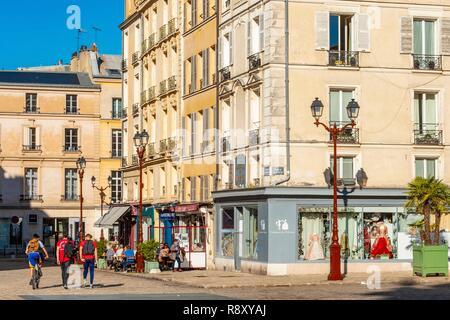 Francia, Yvelines, Versalles, Saint Louis Cathedral Square Imagen De Stock