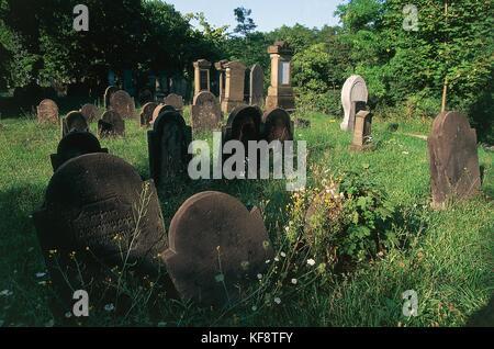 Los gusanos del valle del Rin cementerio judío. Imagen De Stock