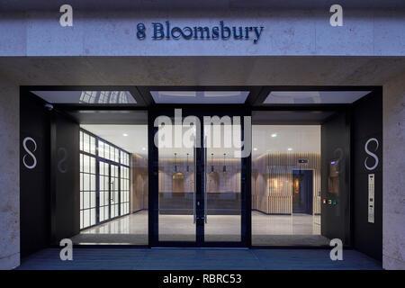 Entrada principal a la recepción. 8 Bloomsbury, Londres, Reino Unido. Arquitecto: Buckley gris Yeoman, 2017. Imagen De Stock