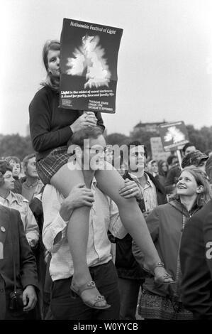 Festival Nacional de luz de septiembre de 1971 Londres fue un efímero movimiento de base formada por cristianos británicos preocupados por el aumento de la sociedad permisiva y los cambios sociales en la sociedad inglesa. Hyde Park, 1970 UK HOMER SYKES Imagen De Stock