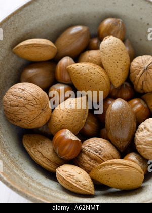 Mezcla de frutos secos rodada con una cámara de medio formato digital profesional Imagen De Stock