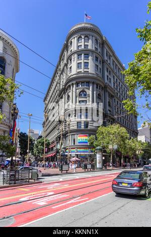 Su arquitectura histórica, Market Street, en el centro de la ciudad, San Francisco, California, EE.UU. Imagen De Stock