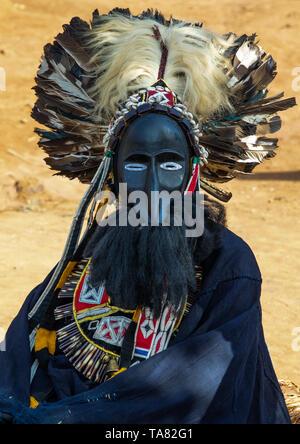 Máscara de la tribu de Dan danza sagrada durante una ceremonia, Bafing, Gboni, Costa de Marfil Imagen De Stock