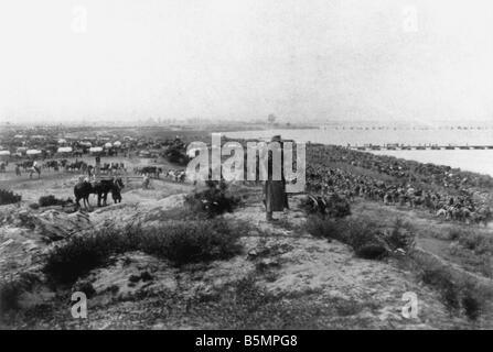 9 1915 10 7 A1 E ejército austríaco cruza el guardar Oct 1915 1 Guerra Mundial 1914 18 segunda campaña Imagen De Stock