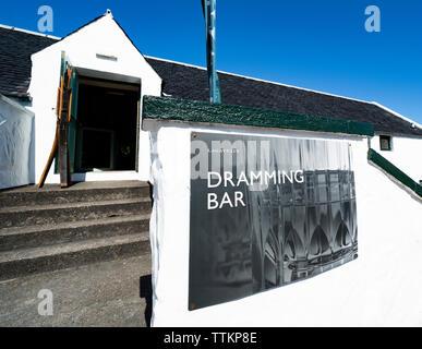 Vista del Bar Dramming Lagavulin Distillery en la isla de Islay en Inner Hebrides de Escocia, Reino Unido Imagen De Stock
