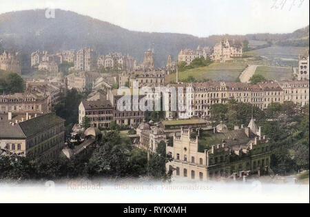 Edificios en Karlovy Vary 1902, Región de Karlovy Vary, iglesia ortodoxa de los Santos Pedro y Pablo en Karlovy Vary, Sadová kolonáda, Karlsbad, Blick von der Panoramastraße, República Checa Imagen De Stock