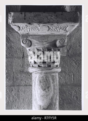 Montalcino Siena Toscana alrededores Abadía de S. Antimo iglesia abacial, esta es mi Italia, el país de la historia visual, la arquitectura medieval, de escultura arquitectónica del siglo IX, 1118, c. 1250, crucifijo de madera, pintura, frescos. Post-medievales Fresco representando la Resurrección Imagen De Stock
