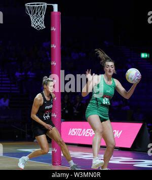 Shaunagh Craig (IRL) en acción durante la vitalidad Netball World Cup 2019 a M&S Bank Arena, Liverpool, Reino Unido.Nueva Zelandia beat Irlanda: 77-28 Imagen De Stock