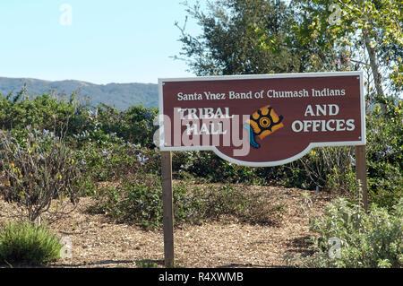 Oficinas tribales Chumash, Reserva de Santa Ynez, California. Fotografía Digital. Imagen De Stock