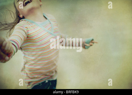 Chica ronda oscilante con una sonrisa Imagen De Stock