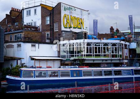 El restaurante Fair Lady narrowboat crucero amarrados en Camden Town en Camden Lock en el Regents Canal Imagen De Stock