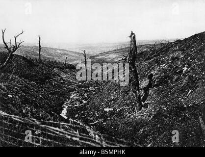 9 1916 10 24 A1 4 E Douaumont Caures forest 1916 Guerra Mundial 1 1914 18 frente occidental batalla de Verdun 1916 Imagen De Stock