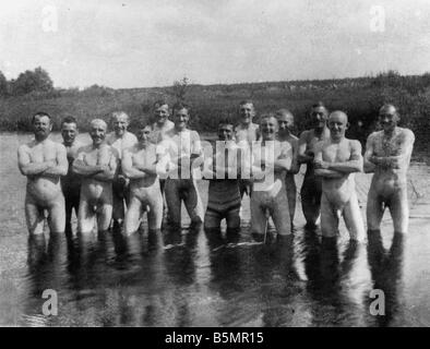 9 1916 7 0 A1 e East Fr Pic de soldados bañera Pho Primera Guerra Mundial Frente Oriental foto de grupo de Imagen De Stock