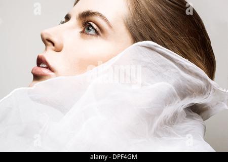 Perfil de mujer joven Imagen De Stock