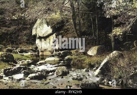 En Karlovy Vary, rocas, ríos, bosques en Karlovy Vary en Karlovy Vary, 1914, Región de Karlovy Vary, Karlsbad, Der wütende Stein, República Checa Imagen De Stock