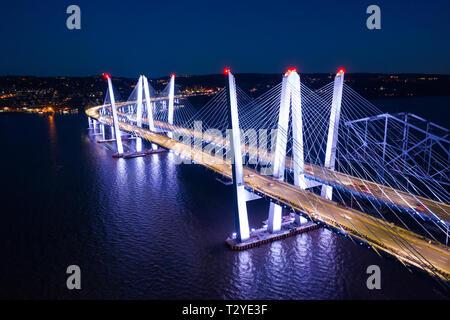 Vista aérea del nuevo puente Tappan Zee, abarcando entre el río Hudson y Nyack Tarrytown Imagen De Stock
