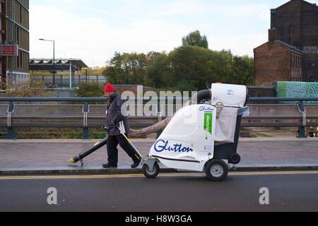 Glutton eléctrico aspirador en la calle Kings Cross, Londres Imagen De Stock