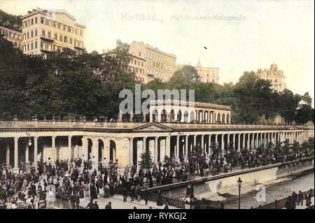 Mlýnská kolonáda, puentes sobre el Teplá- en Karlovy Vary 1901, Región de Karlovy Vary, Karlsbad, Mühlbrunnen, columnata, República Checa Imagen De Stock
