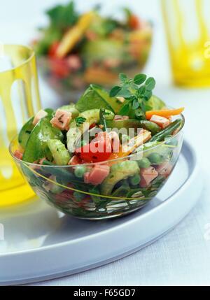 Primavera de verduras con trocitos de jamón Imagen De Stock