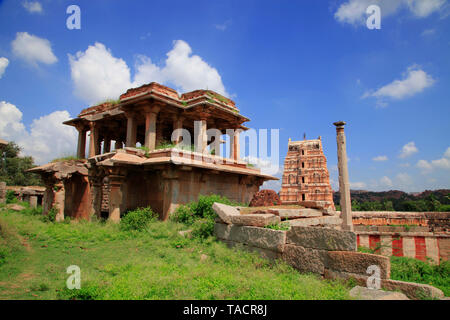 Vista del templo de colinas hemkut virupakha Imagen De Stock