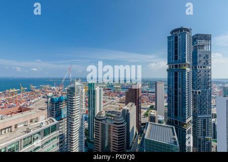 Vista aérea del paisaje urbano de la ciudad de edificios de oficinas cerca de Tanjong Pagar, puerto de Singapur Imagen De Stock