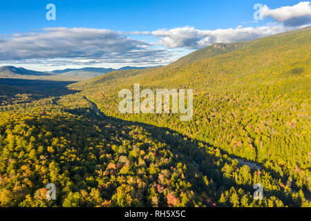 Vista aérea de White Mountain Road, en New Hampshire. Imagen De Stock