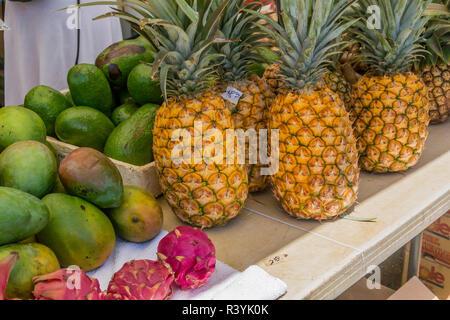 De Hanalei, Hawai, Kauai, dragon fruit, mercado de granjeros, frutas, mango, piña Imagen De Stock