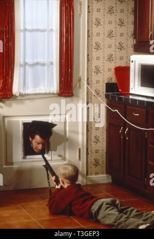 Solos en casa Año : 1990 USA Director : Chris Columbus Daniel Stern, Macaulay Culkin Imagen De Stock