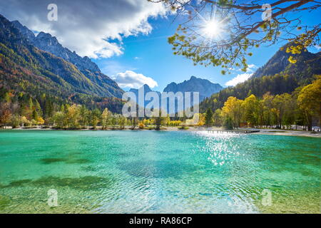 Jasna lago, el Parque Nacional de Triglav, Alpes Julianos, Eslovenia Imagen De Stock