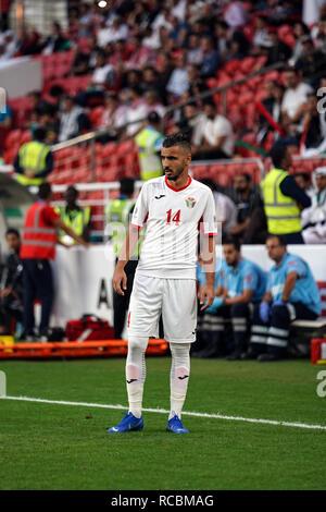 Enero 15, 2019 : Ahmad Ersan palestina de Jordania durante v Jordania en el estadio Mohammed Bin Zayed, en Abu Dhabi, Emiratos Árabes Unidos, AFC Copa Asiática, campeonato de fútbol asiático. Ulrik Pedersen/CSM. Imagen De Stock