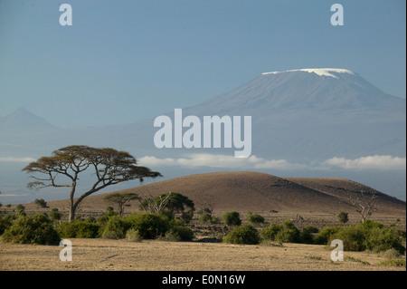 Monte Kilimanjaro paisaje, el Parque nacional Ngorongoro, Tanzania Imagen De Stock