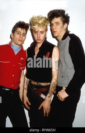 El americano la banda rockabilly Stray Cats. De izquierda a derecha: Lee rockero, Brian Setzer y Slim Jim Phantom. Hamburgo, abril de 1981 Imagen De Stock