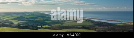 Amanecer en Abbotsbury, la Capilla de Santa Catalina, Cesil Beach y Portland, la Costa Jurásica, en Dorset, Inglaterra Imagen De Stock