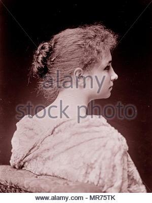 Helen Keller (1880 - 1968), auteur américain, activiste politique, et conférencier. Elle a été la première personne atteinte de surdi-cécité pour gagner un baccalauréat en arts, elle a fait campagne pour le suffrage des femmes, les droits du travail, le socialisme, l'antimilitarisme, et d'autres causes semblables. Photo Stock