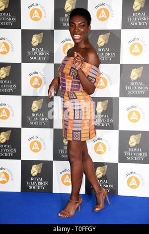 Londres, Royaume-Uni. 19 mars 2019: Michaela Coel arrivant pour la Royal Television Society Awards 2019 au Grosvenor House Hotel, Londres. Photo: Steve Sav/Featureflash Crédit: Paul Smith/Alamy Live News Photo Stock