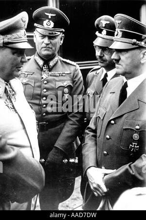 1 H76 F1942 D Hitler Goering Keitel u Himmler Hitler Adolf Hitler 1945 Politiker NSDAP 1889 rechts im Gespraech Photo Stock