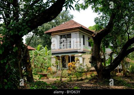 80 ANS NAYAR HOUSE DANS KERALA ATTUR Photo Stock