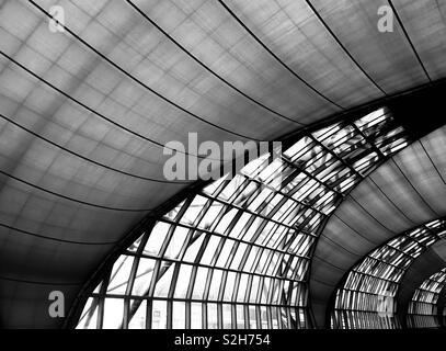 Temps d'attente à l'aéroport de Bangkok vers️ Photo Stock
