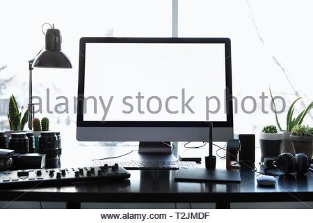 Équipement de photographie et l'ordinateur sur 24 Photo Stock