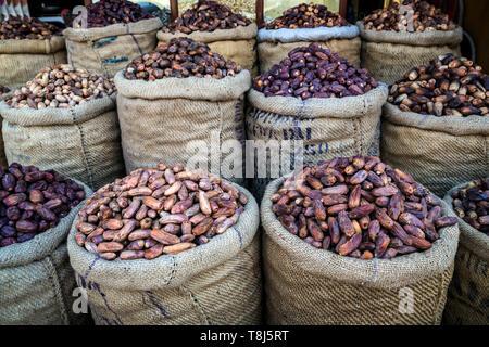 Sacs d'annonces à vendre près de le Nil, Louxor, Egypte Photo Stock