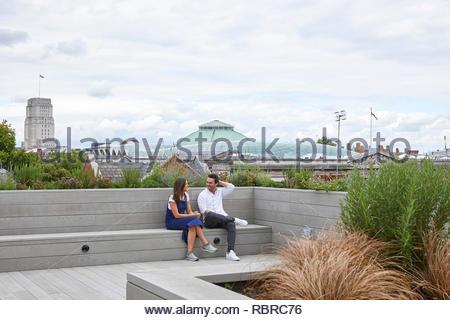 Jardin sur le toit. 8 Bloomsbury, Londres, Royaume-Uni. Architecte: Buckley Gray Yeoman, 2017. Photo Stock