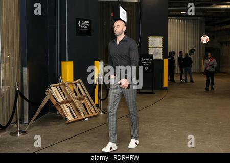 Los Angeles, CA, USA. 18 janvier, 2019. LA Clippers center Marcin Gortat #13 avant les Golden State Warriors vs Los Angeles Clippers au Staples Center le 18 janvier 2019. (Photo par Jevone Moore) Credit: csm/Alamy Live News Photo Stock